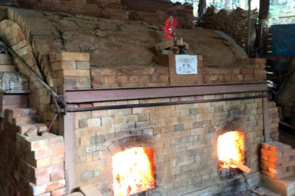 窯に火が入る
