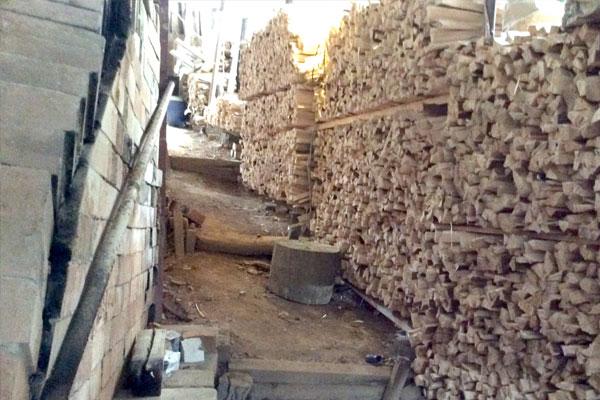陶芸薪作り薪割り